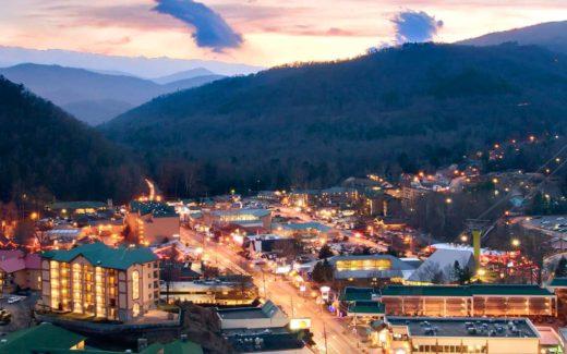 Best Restaurants to Enjoy a Gatlinburg Sunset