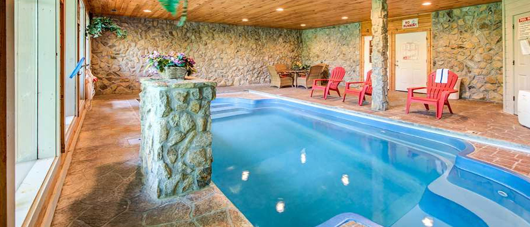 Pigeon Forge Cabin Pool