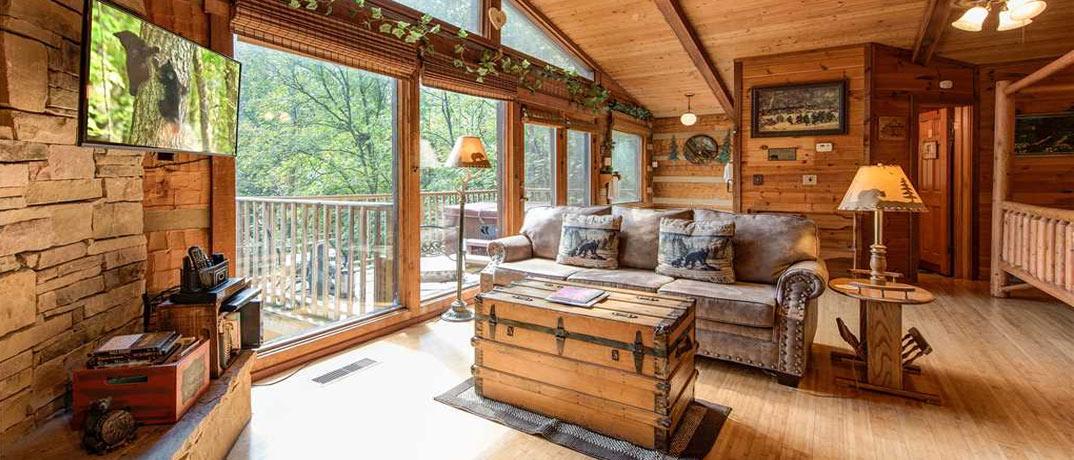 Gatlinburg Cabin - Rustic Charm